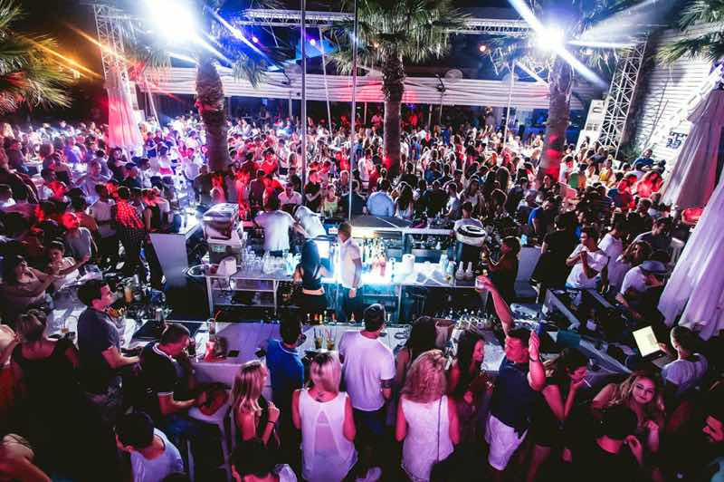 Ammos Beach Bar in Larnaca Travel Guide